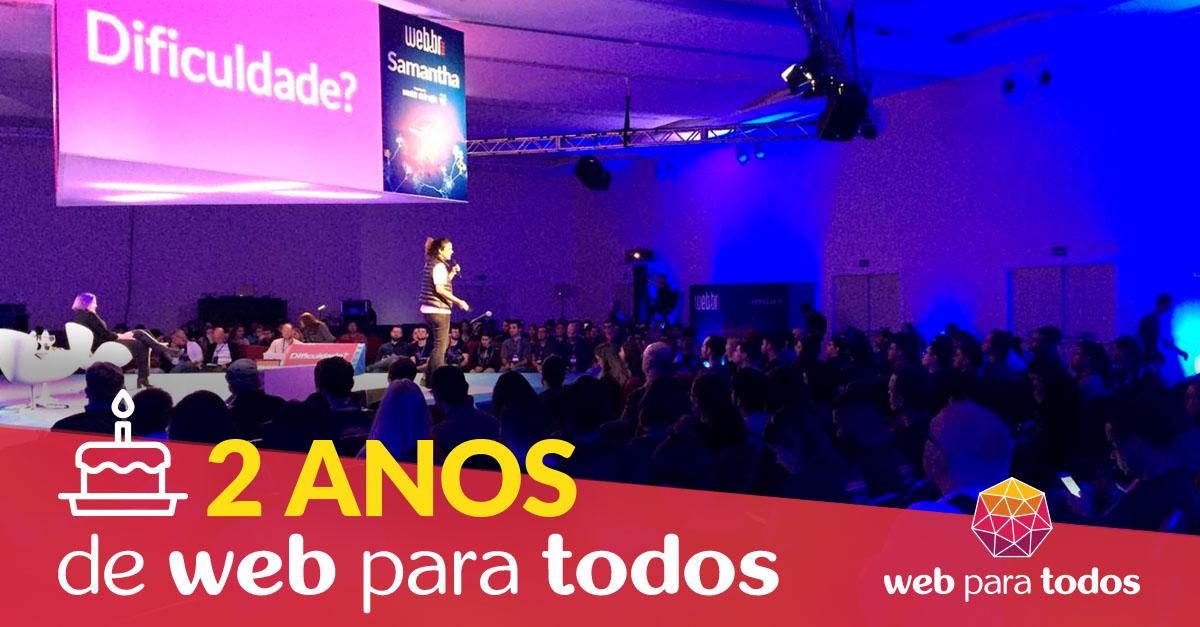 Arte com foto da Simone Freire em pé, falando ao microfone, em um palco. Ela está em um auditório na frente de diversas pessoas que estão sentadas.
